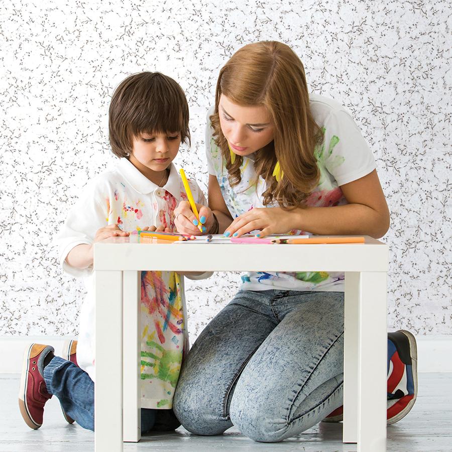 Девушка с пробкой в магазине фото 435-68