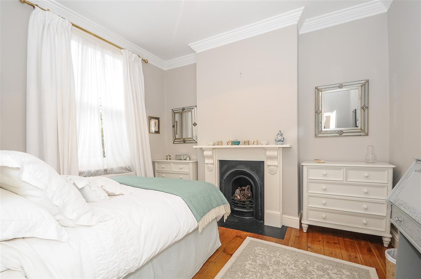 farrow ball cornforth white 228 eparket. Black Bedroom Furniture Sets. Home Design Ideas