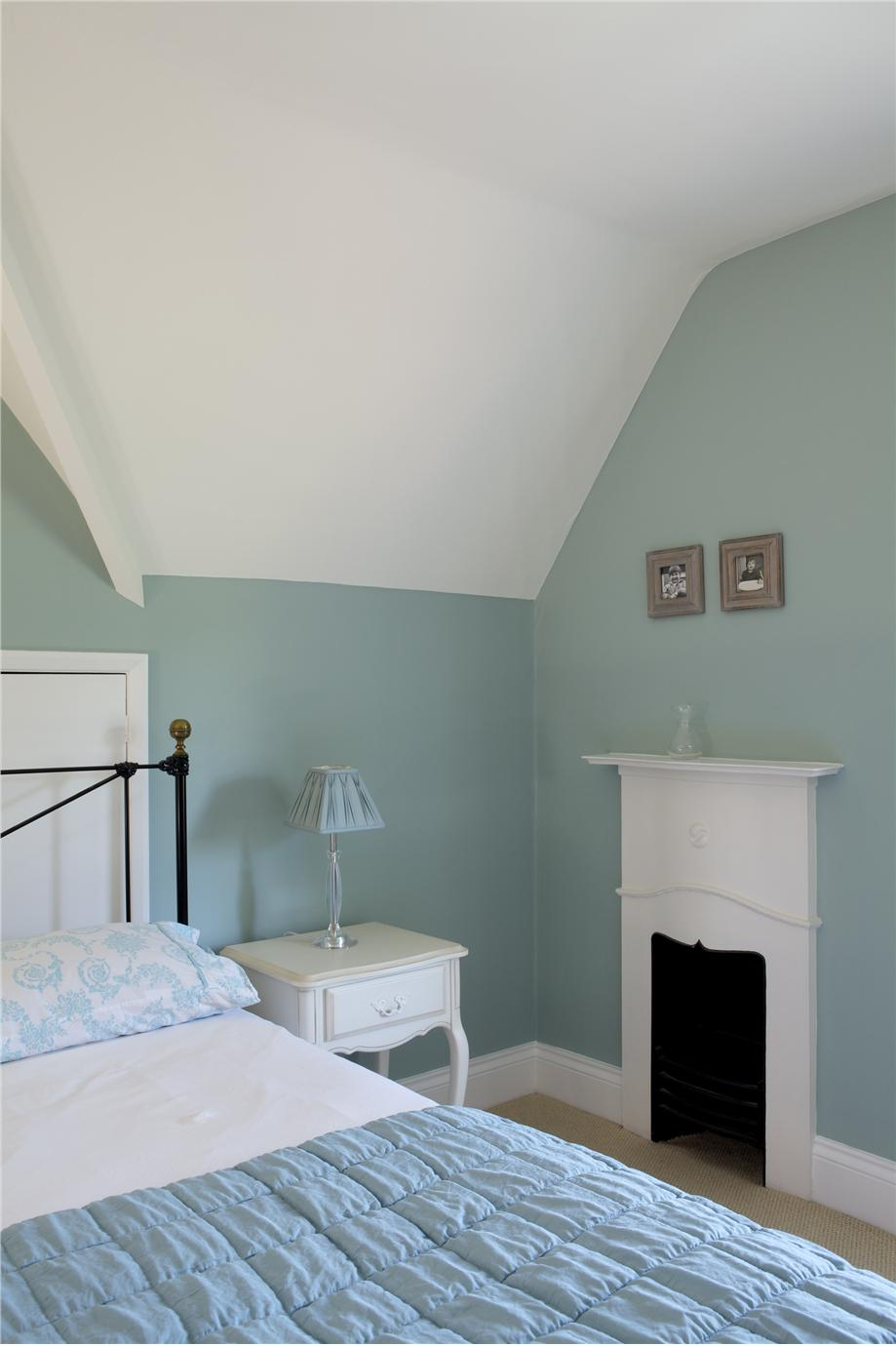 farrow ball green blue 84 eparket. Black Bedroom Furniture Sets. Home Design Ideas